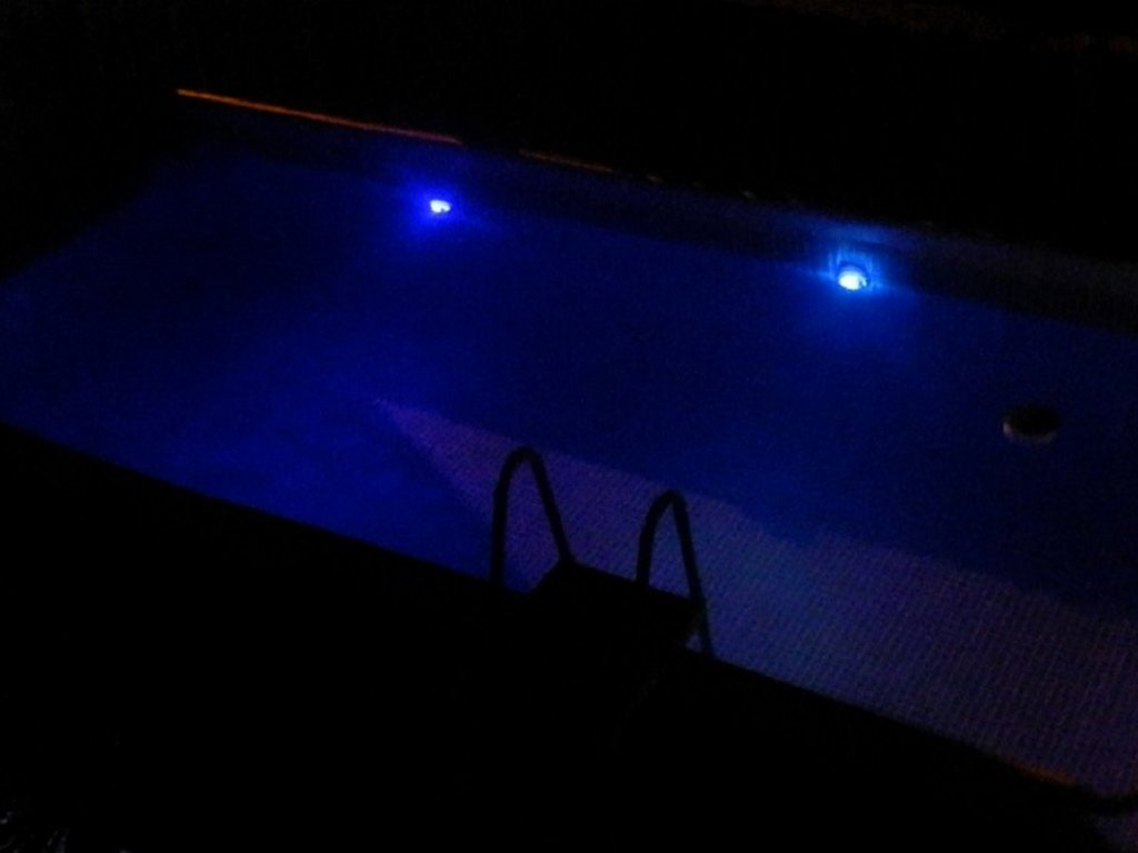 NIGHTSWIMMING!!