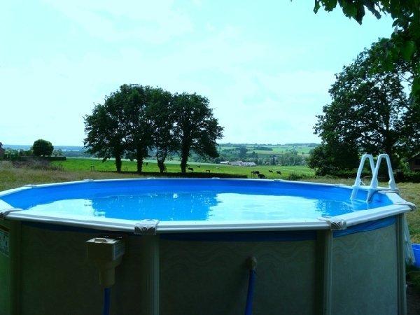 Vakantiehuis vakantiewoningen herlaeve mechelen for Groot opzetzwembad